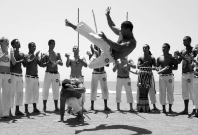 cuerpo-roda-de-capoeira-santander-clases-capoeira-cantabria-01