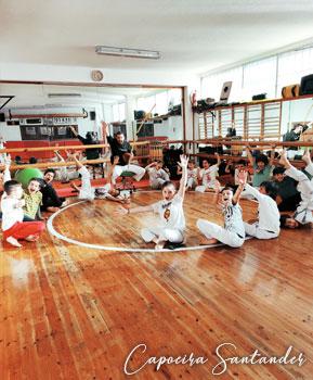 cuerpo-roda-de-capoeira-santander-clases-capoeira-cantabria-02
